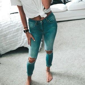 NWOT Free People Busted Knee Skinny Jeans